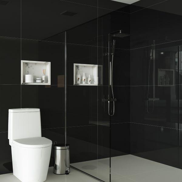 Banheiro com porcelanato preto e decoração branca