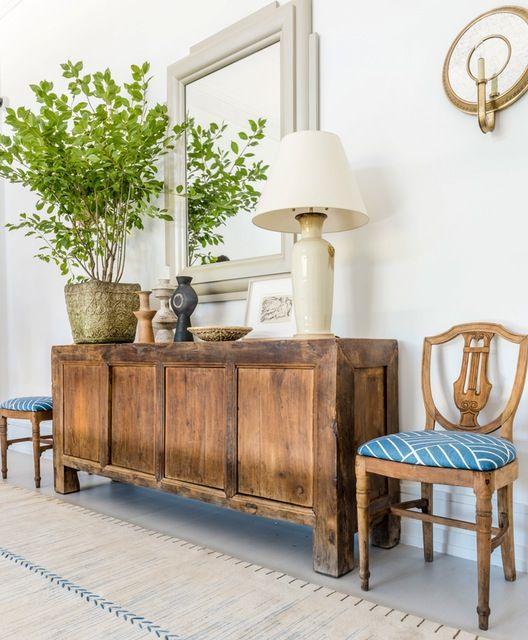 Buffet Aparador de madeira rustica na sala de jantar