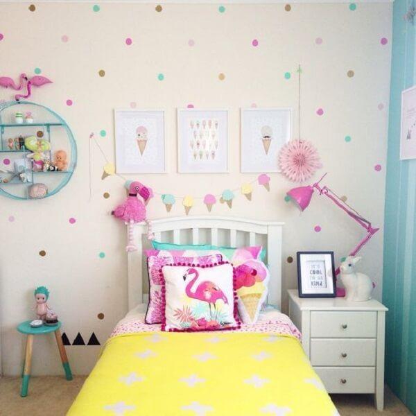 Capa de almofada infantil com desenho de flamingo. Fonte: Revista Viva Decora