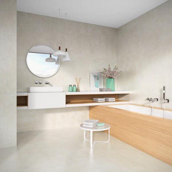 Cores de porcelanato acetinado para banheiro claro e bem decorado