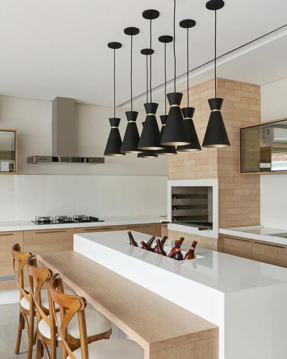 Cozinha com churrasqueira pequena