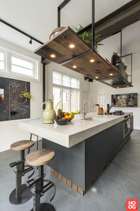 Cozinha industrial com piso cimento queimado
