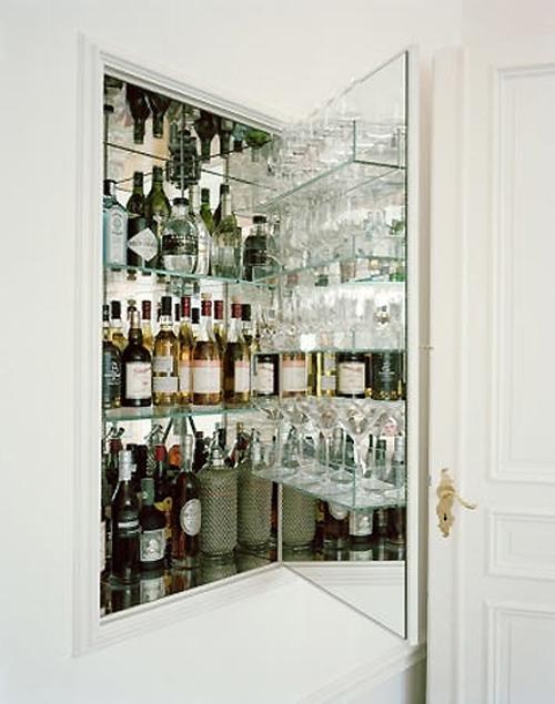 Cristaleira de parede embutida na parede