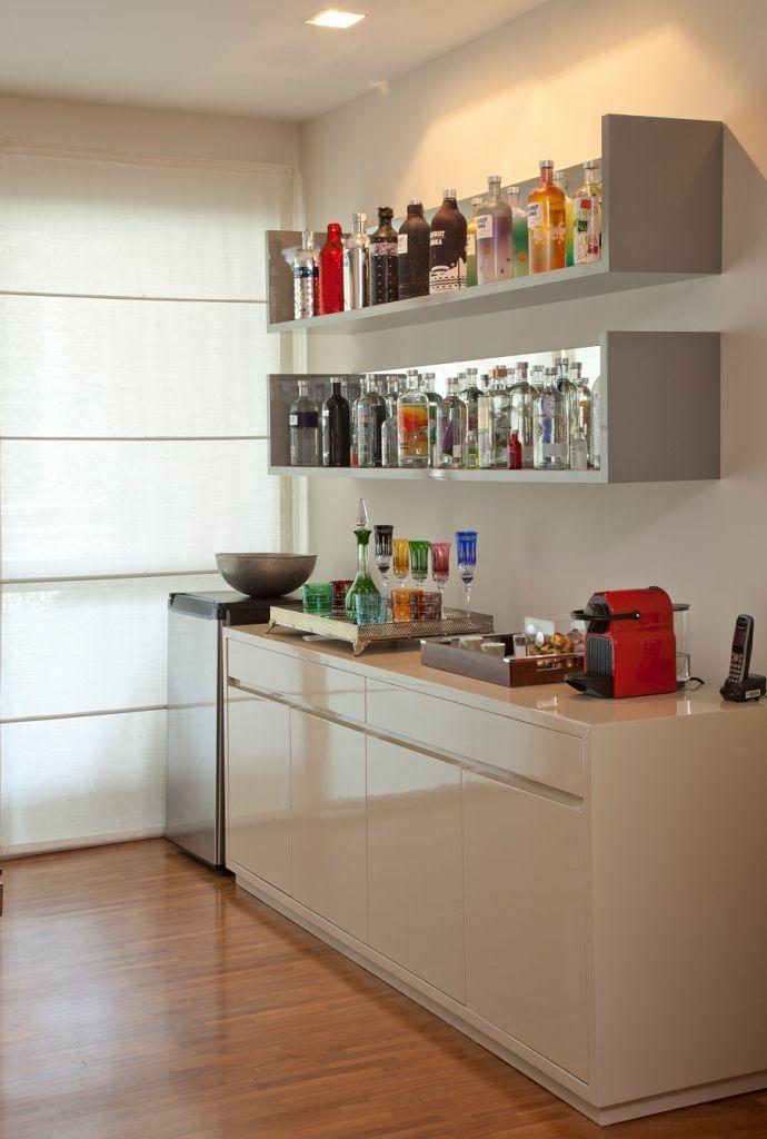Cristaleira de parede simples para bebidas
