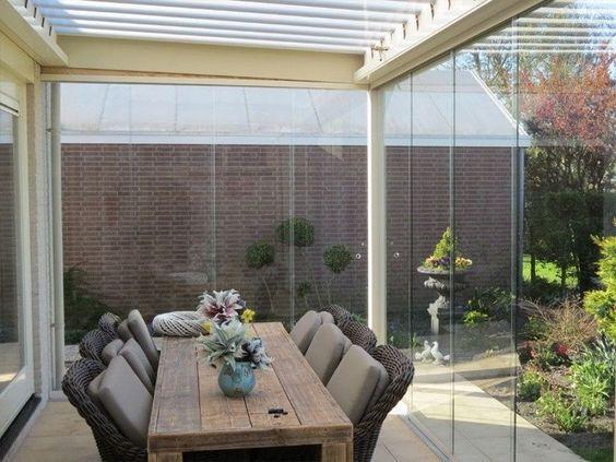 Fechamento de varanda com vidro