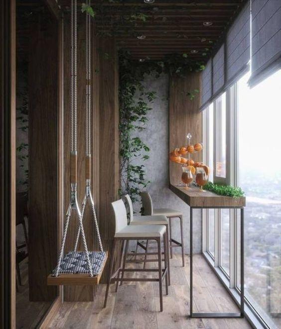 Mesa alta para sacada com pés de ferro