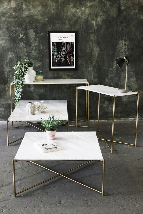 Mesa de granito branco com ferro dourado