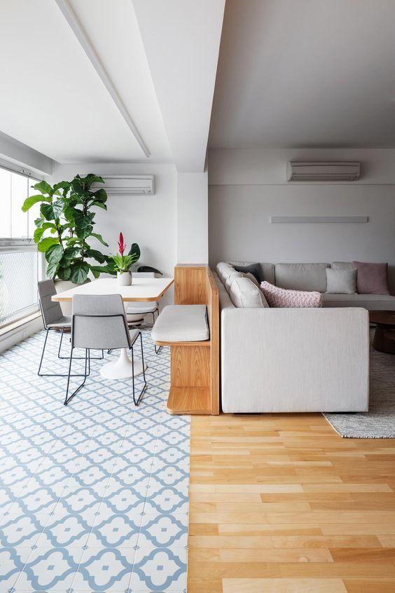 Mesa para sacada de apartamento