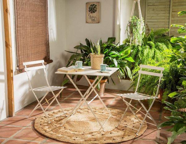 Mesa para sacada de ferro com tapete redondo