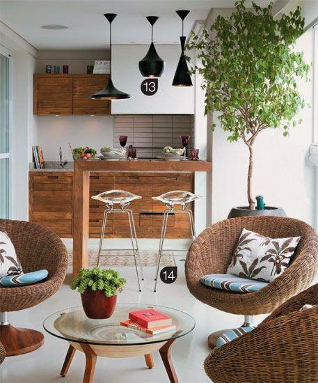 Mesa para sacada de madeira com poltrona rústica
