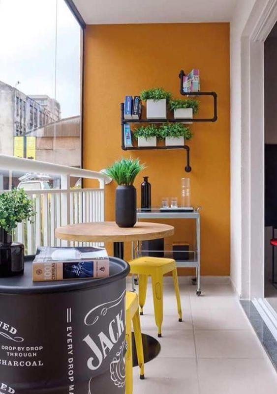 Mesa para sacada redonda com banqueta amarela