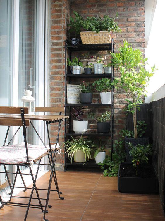 Mesa pra sacada de ferro e madeira