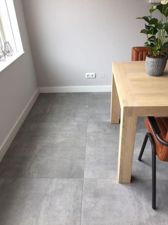 Porcelanato cimento queimado para casa moderna