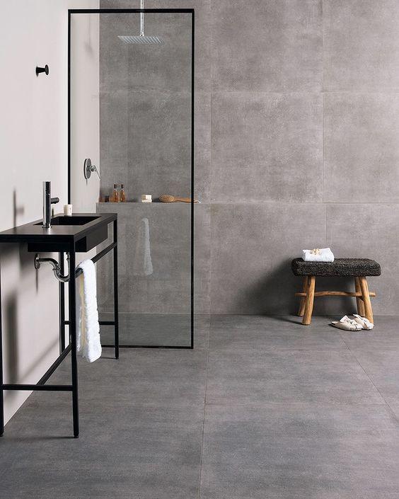 Porcelanato de cimento queimado no banheiro