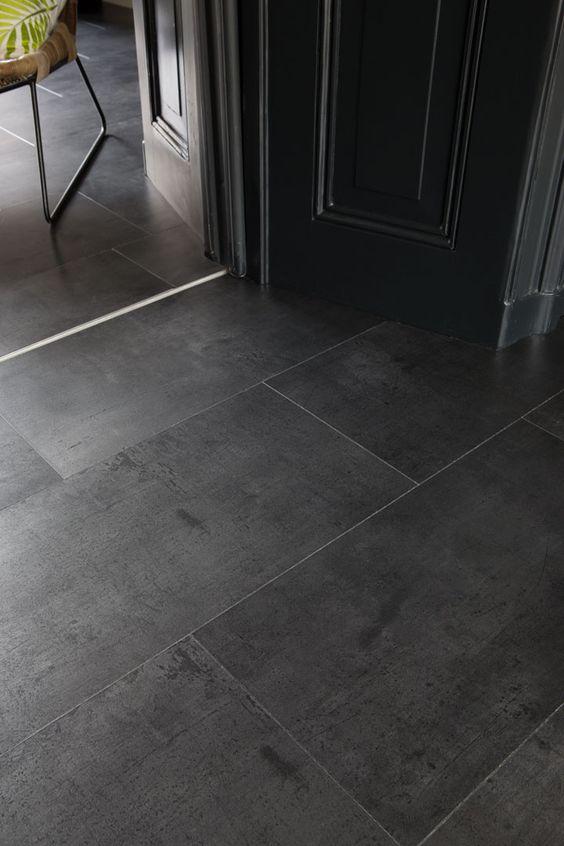 Porcelanato preto acetinado para sala de estar