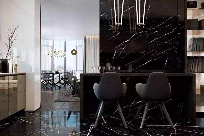 Porcelanato preto marmorizado na cozinha moderna com bancada de granito