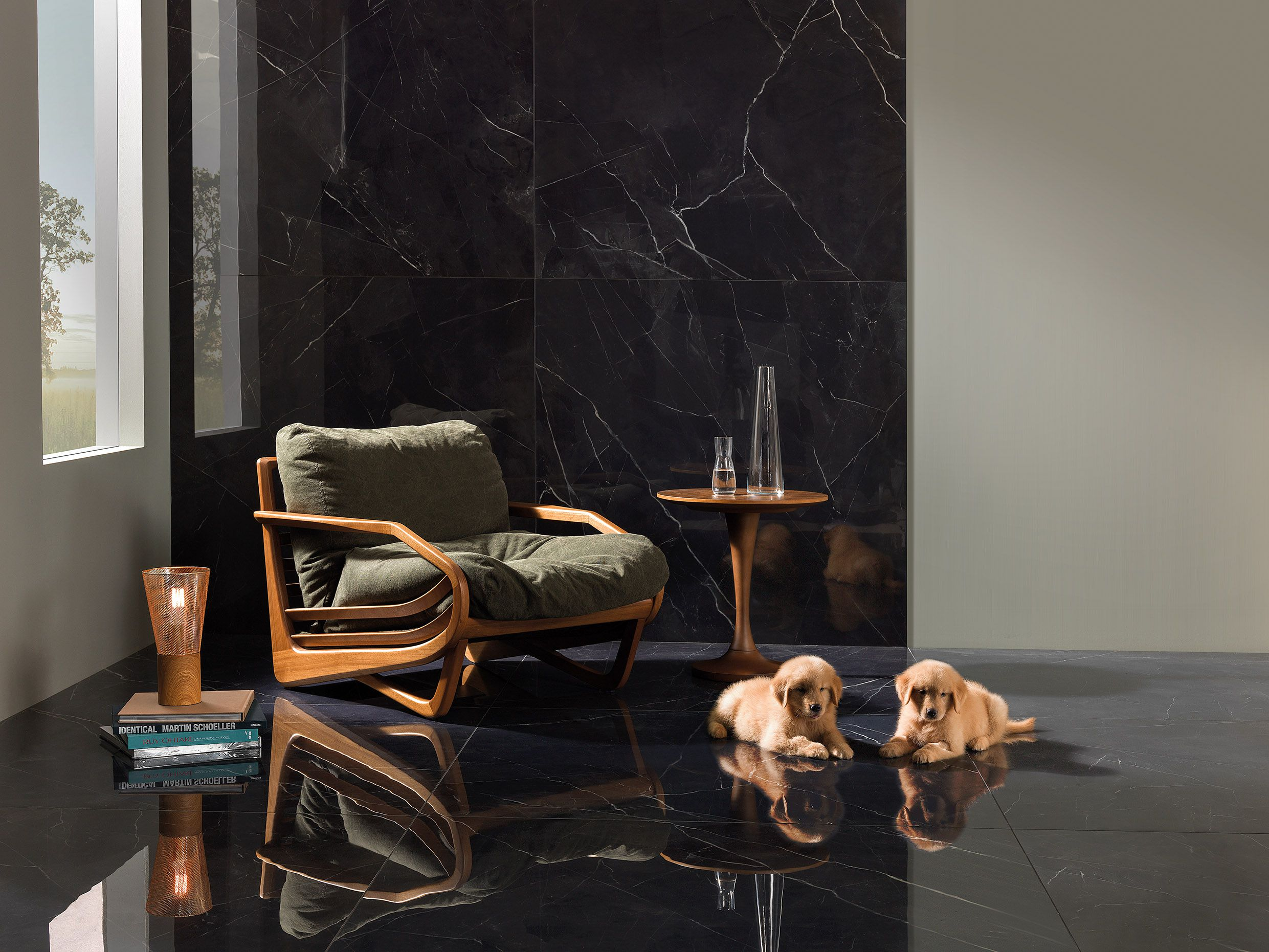 Sala com porcelanato preto