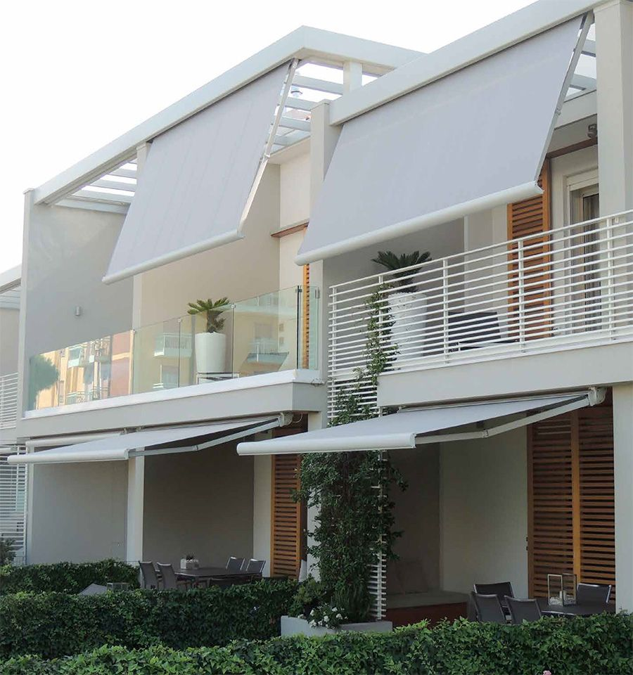 Toldo para janela que protege do sol e chuva