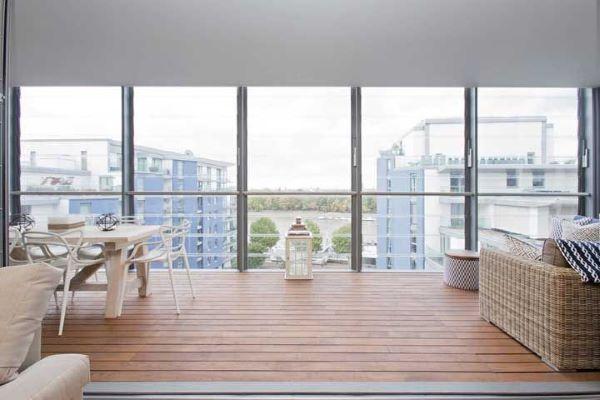 Varanda de apartamento de vidro
