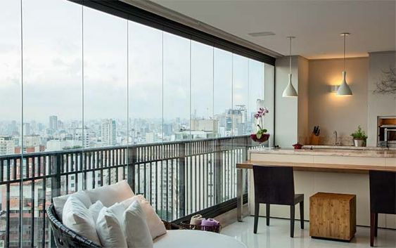 Varanda de vidro de apartamento