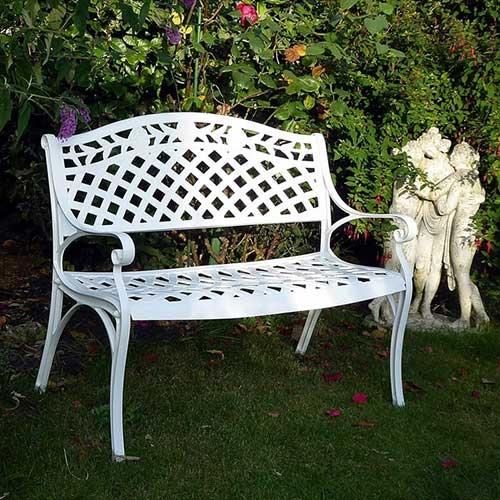 banco de jardim branco