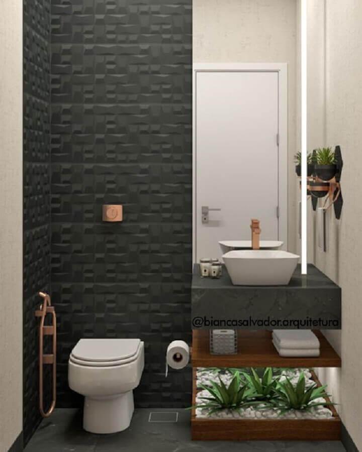 banheiro pequeno decorado com revestimento 3D preto fosco Foto Bianca Salvador - Arquitetura e Interiores