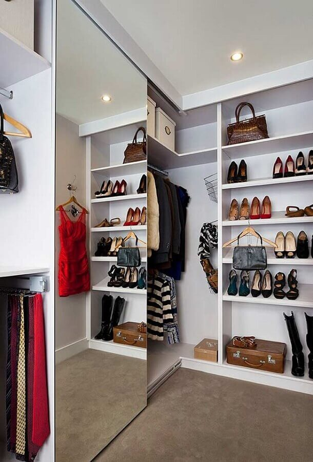 closet casal de canto decorado com portas de correr  Foto Home Fashion Trend