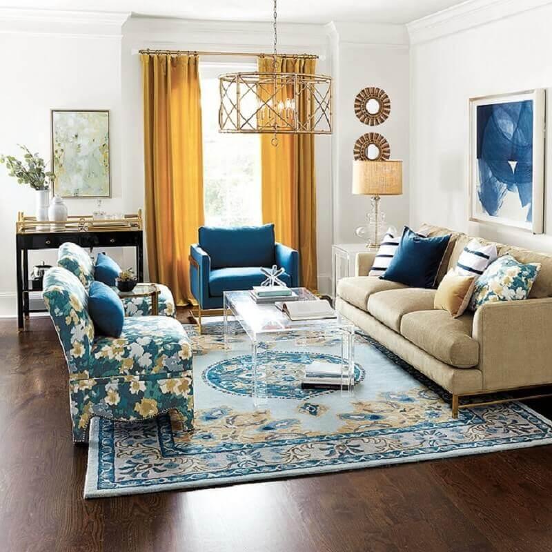 decoração clássica de sala de visita azul e amarela Foto Ballard Designs