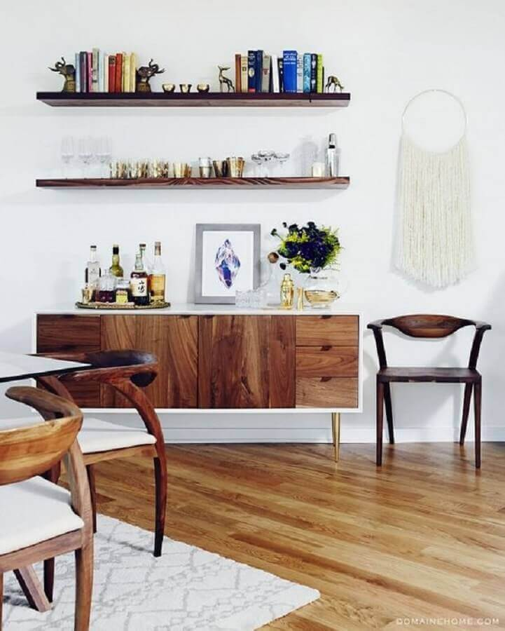 decoração clean com buffet armário de madeira  Foto Domaine Home