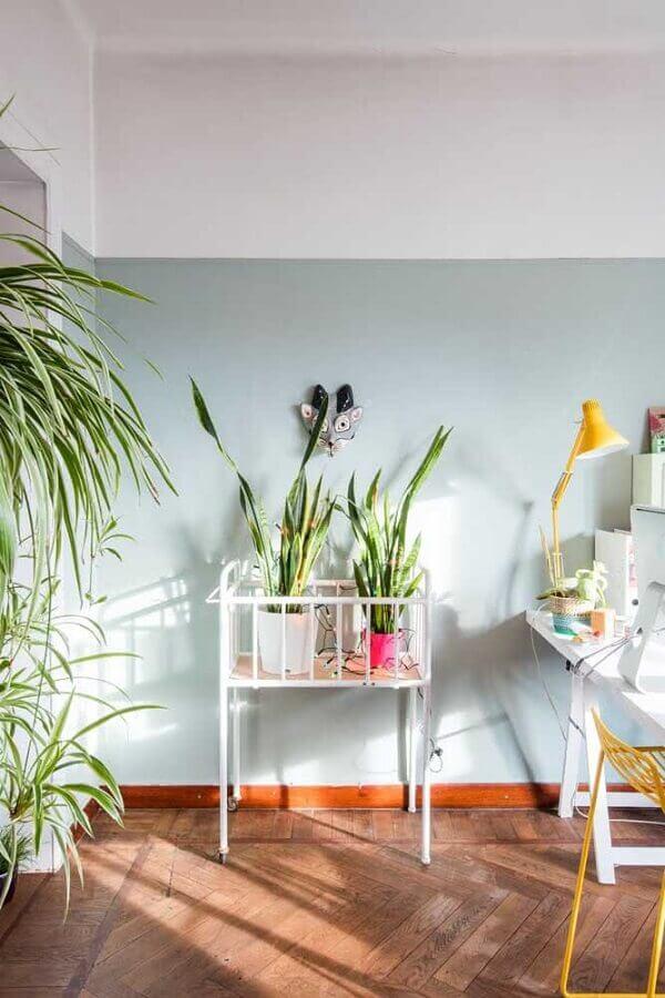 decoração clean com pintura meia parede cinza claro Foto Pinterest