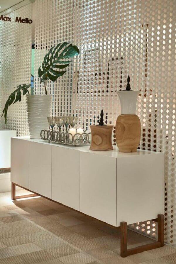 decoração clean para sala de jantar com armário buffet branco Foto Homify