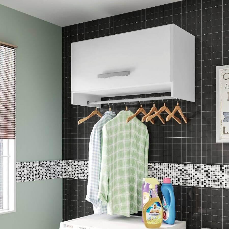 decoração com armário aéreo para lavanderia simples Foto Pinterest