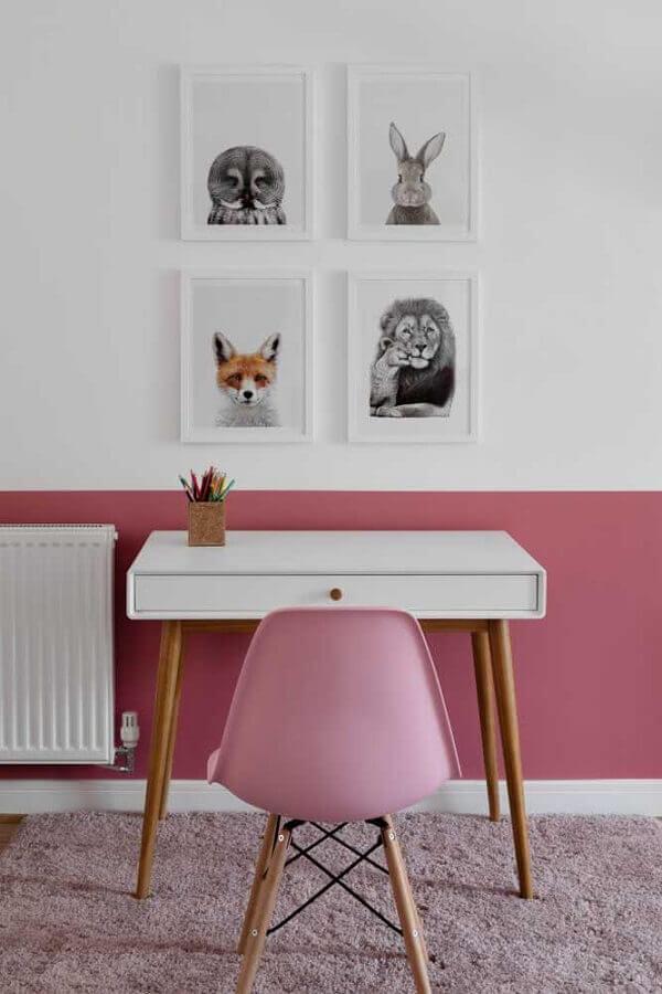 decoração com escrivaninha pequena para meia parede rosa e branca Foto Houzz