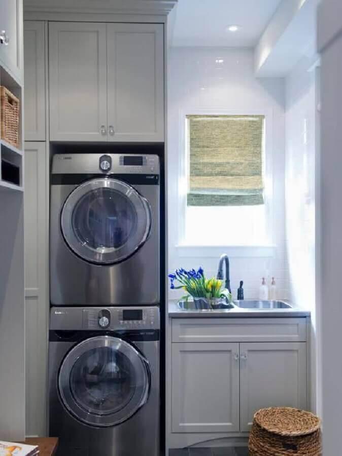 decoração com móveis planejados para lavanderia cinza Foto Pinterest