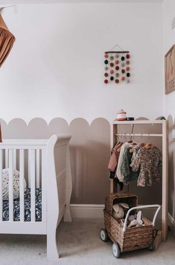 decoração com meia parede pintada para quarto de bebê Foto Pinterest