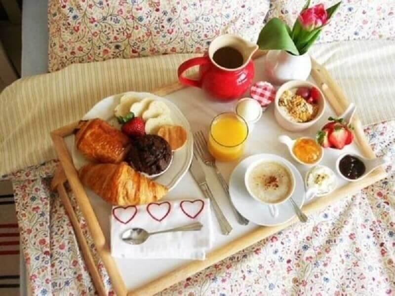 decoração de café da manhã para dia dos namorados Foto Pinterest