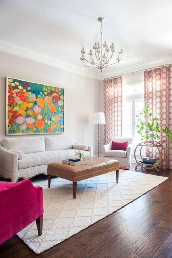 decoração de sala de visita branca com quadro grande colorido Foto Andria Fromm Interiors