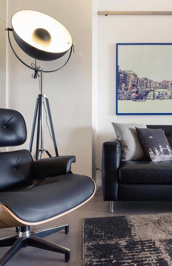 decoração de sala de visita moderna com poltrona e sofá preto Foto Ideias Decor