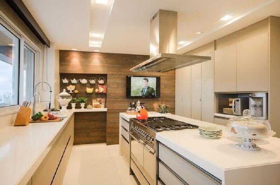 decoração em cores claras com ilha de cozinha com fogão embutido Foto Casa de Valentina