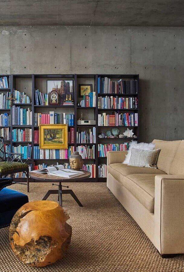 decoração industrial para sala de visita com parede de cimento queimado Foto Futurist Architecture