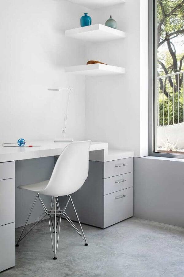 decoração minimalista com escrivaninha para estudante com gavetas Foto Architizer
