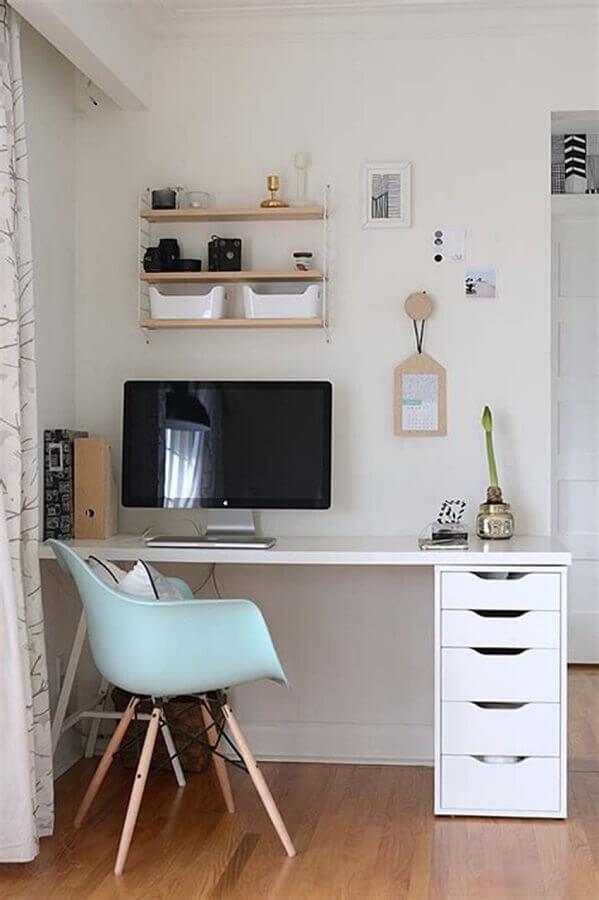 decoração simples com escrivaninha para estudo branca com gaveteiro Foto Reciclar e Decorar