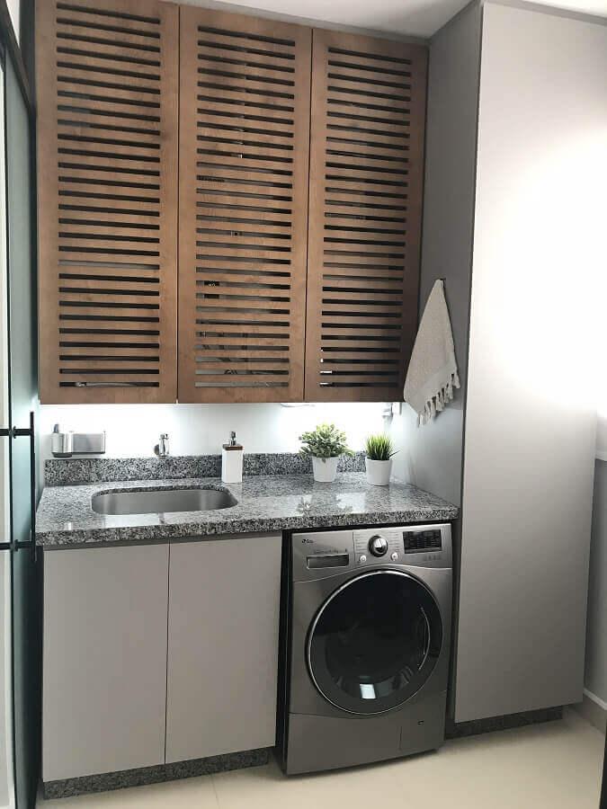móveis para lavanderia planejada com armário aéreo de madeira Foto Pinterest