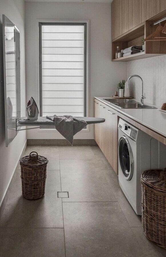 móveis para lavanderia planejado de madeira Foto Brianna Michelle Design