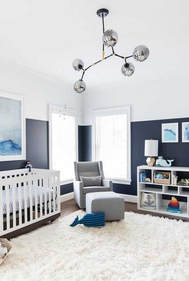 meia parede cinza e branca para decoração de quarto de bebê grande Foto Pinterest