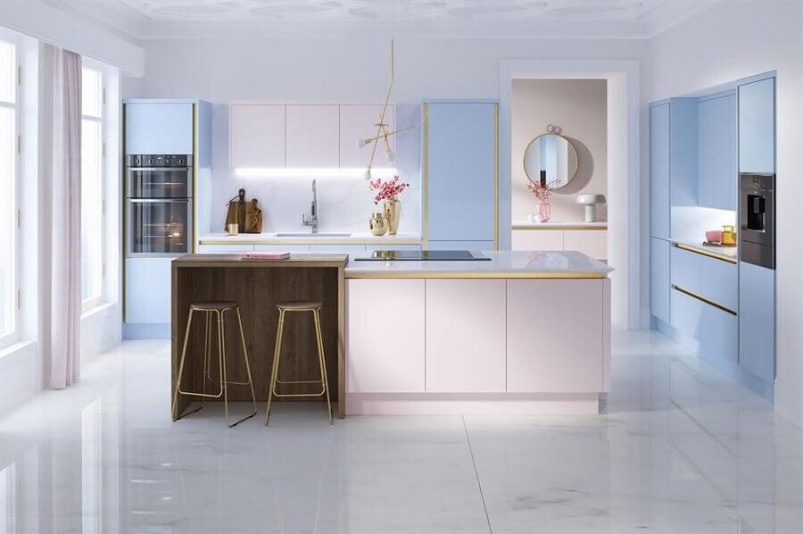 modelos de ilha para cozinha decorada em tons pastéis Foto HomeInCube