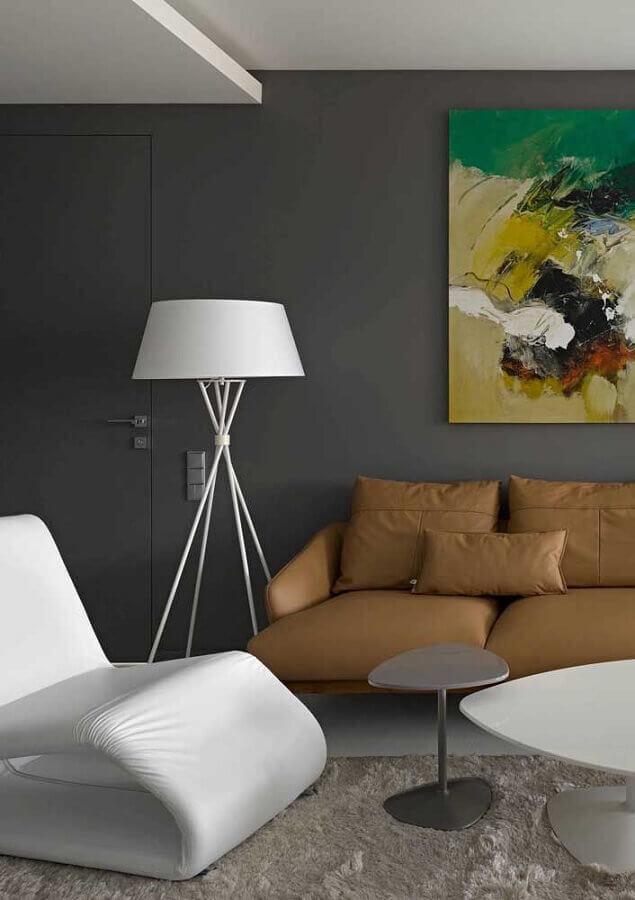 poltorna moderna para decoração de sala de visita cinza com sofá de couro Foto Pinterest