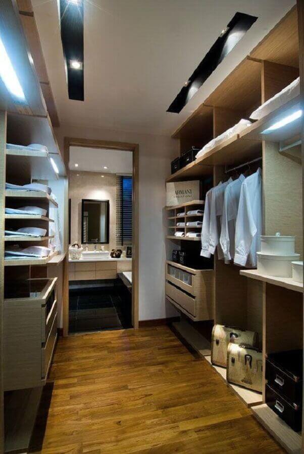 quarto decorado com closet casal planejado com banheiro Foto Home Fashion Trend