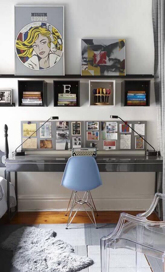 quarto decorado com escrivaninha para estudo cinza Foto Architecture Art Designs