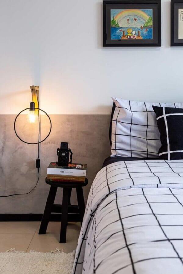 quarto moderno decorado com meia parede cinza de cimento queimado Foto Casa de Valentina